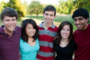 Group of Multi-ethnic teenagers outside